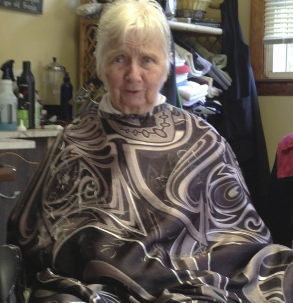 Diane's mother at the hairdresser