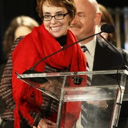 Giffords vows return to Congress in new book
