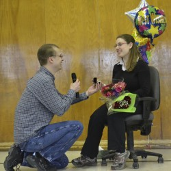Teacher proposes during holiday concert at Piscataquis Elementary