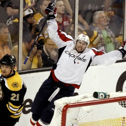 Thomas' apolitical return: Bruins top Capitals