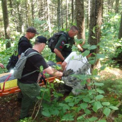 Woman injured while hiking walks trail to meet rescuers
