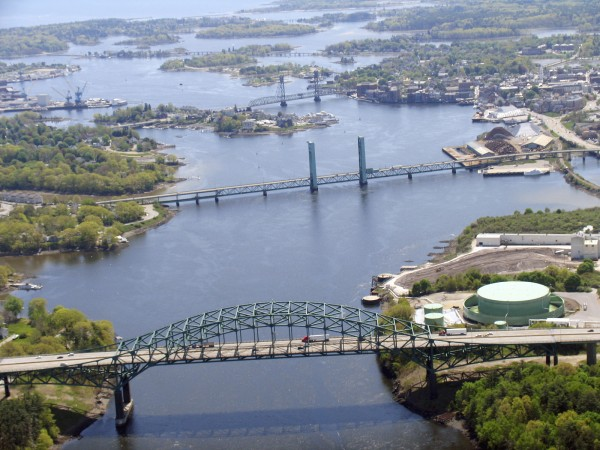 The Memorial and Sarah Mildred Long bridges, two of the three bridges that link Maine to New Hampshire over the Piscataqua River.