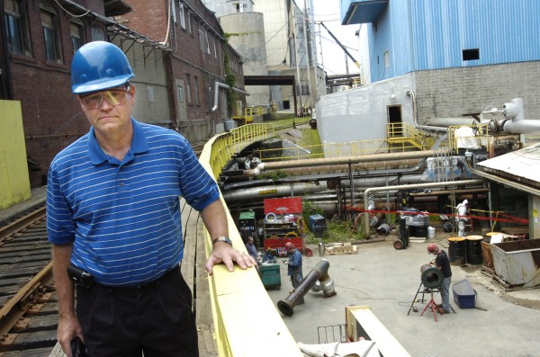 Lincoln Paper and Tissue LLC president and CEO Keith Van Scotter tours his Lincoln mill in July 2008.