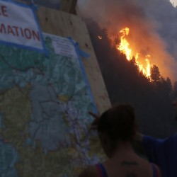 Firefighters step up battle against Idaho blaze as 2,250 homes evacuated