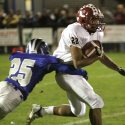 Ex-Bangor player Xavier Lewis settles in with Lawrence football team