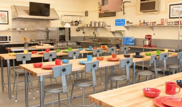 Maine kitchen cooking school opens at r m flagg bangor for School kitchen designs