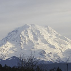 Dangerous conditions hold up search for missing Mt. Rainier hikers