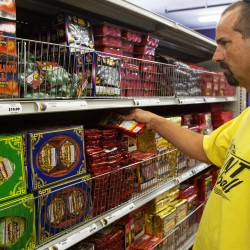 Second fireworks store to open in Holden