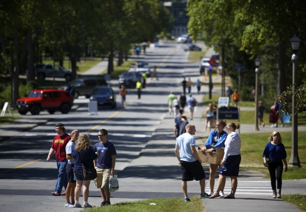 University of Maine students move to campus Friday to start the 2014 school year.