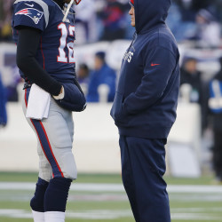 Patriots keep on winning even when offense falters
