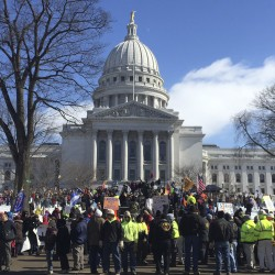Wis. gives $765,000 in bonuses despite budget hole